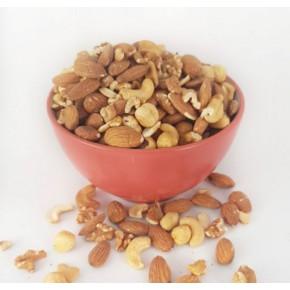 תערובת אגוזים קלוייה ללא מלח