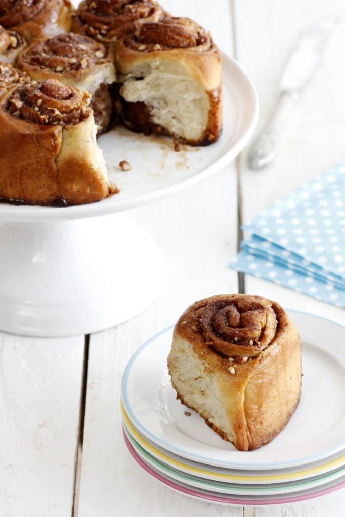 עוגת שמרים במילוי קינמון ופקאן